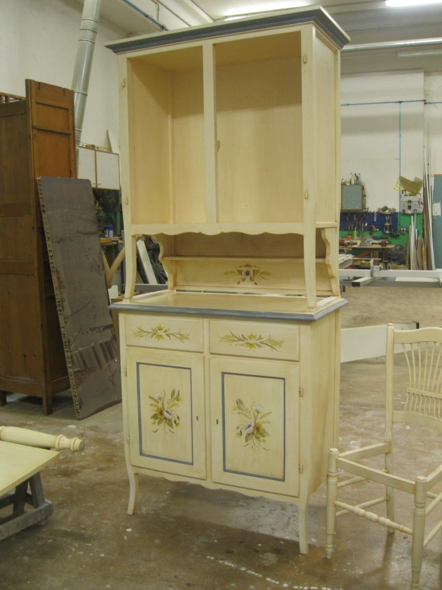 Mobili dipinti e decorati a mano falegnameriacococcia for Sedie decorate a mano